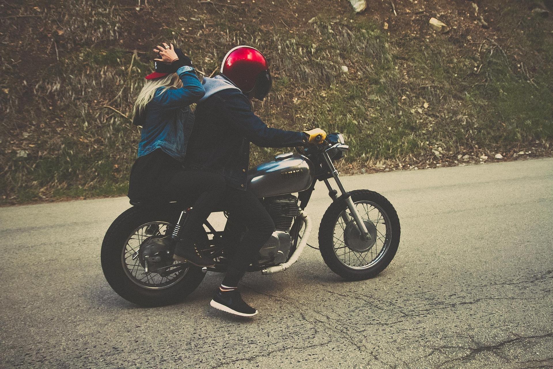Pourquoi et quand changer son casque moto ?