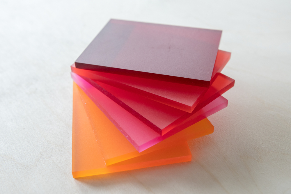 Les différentes étapes pour couper du plexiglas